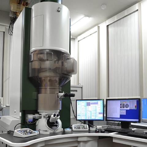 高電圧用収差補正開発試験装置 EM-10000BU